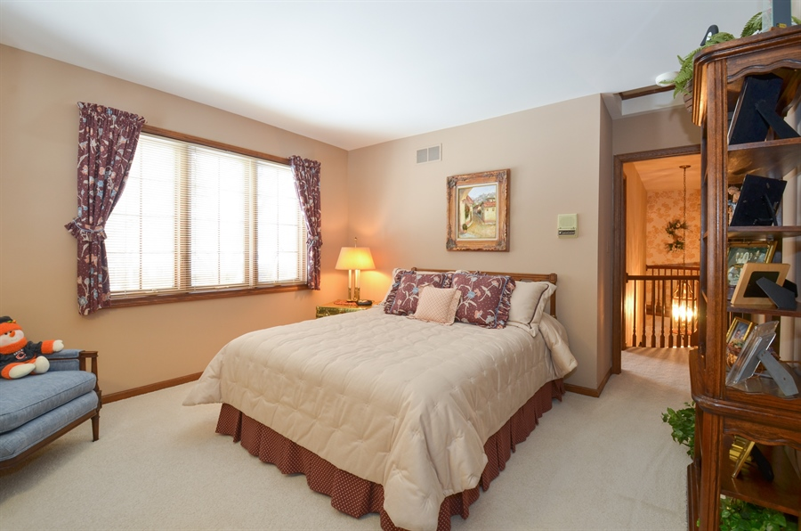 Real Estate Photography - 1 Orchard Ln, Golf, IL, 60029 - Bedroom