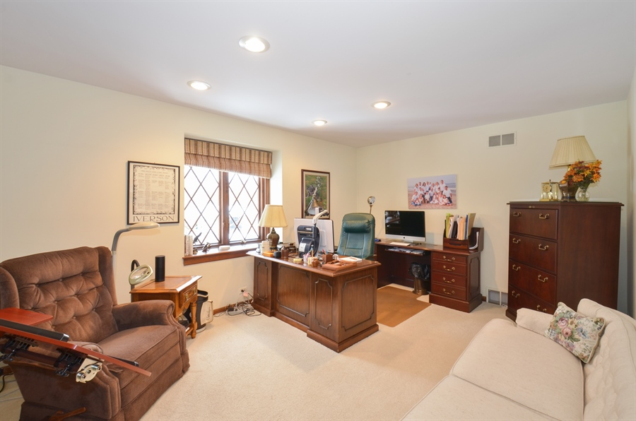 Real Estate Photography - 1 Orchard Ln, Golf, IL, 60029 - Office