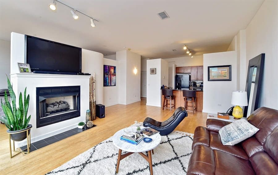 Real Estate Photography - 15 S. Throop, 602, Chicago, IL, 60607 - Living Room