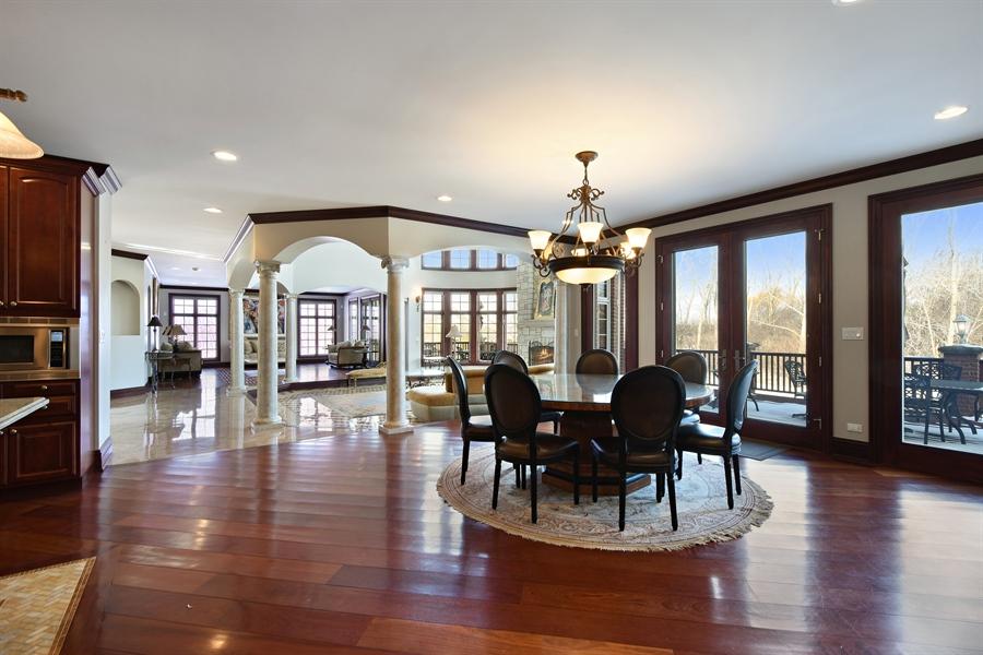 Real Estate Photography - 2 Beacon Hill Drive, South Barrington, IL, 60010 - Breakfast Area