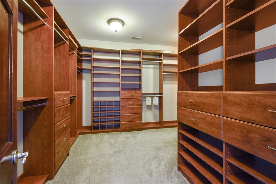 Real Estate Photography - 2 Beacon Hill Drive, South Barrington, IL, 60010 - Master Bedroom Closet