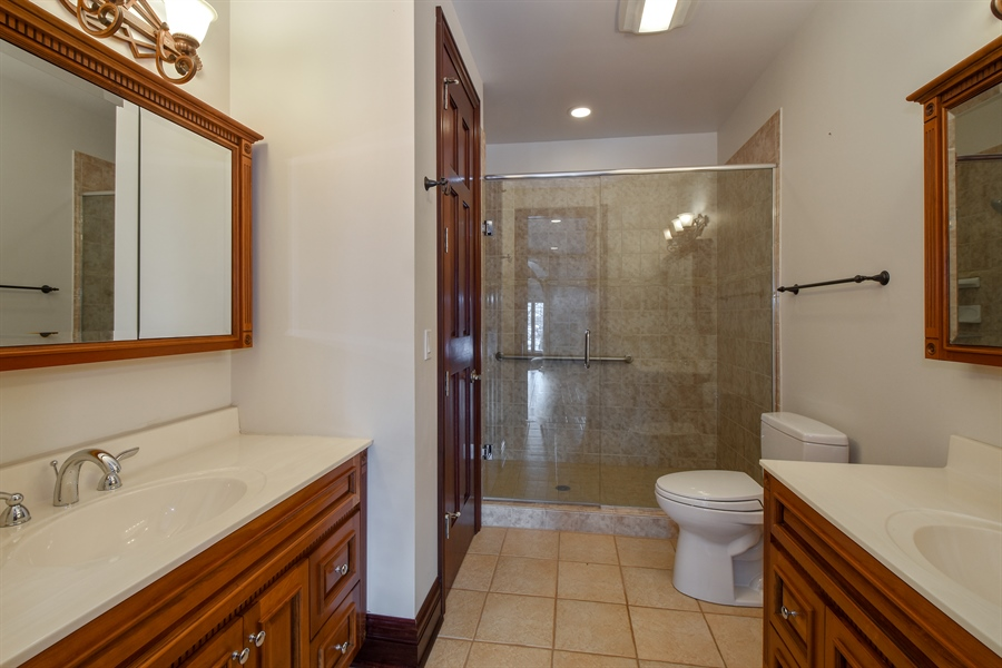 Real Estate Photography - 2 Beacon Hill Drive, South Barrington, IL, 60010 - 1st Floor Bedroom Suite Bathroom
