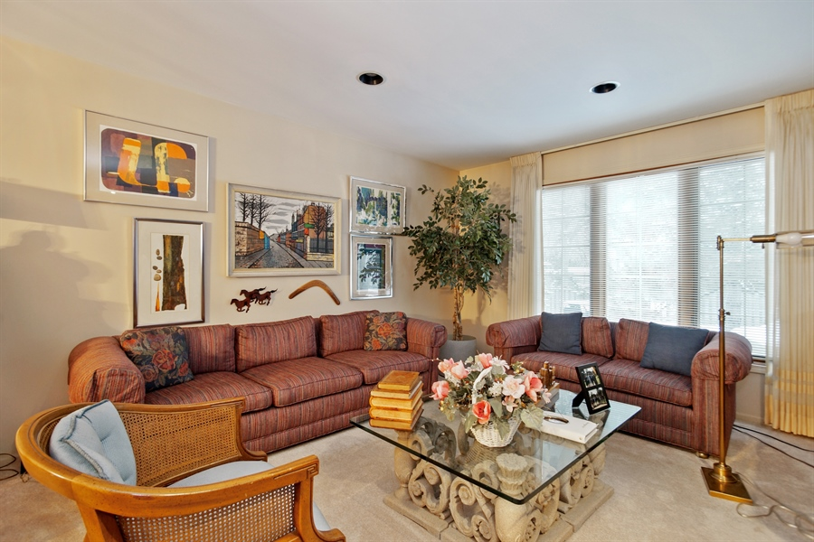 Real Estate Photography - 1632 N Windsor Dr., Arlington Heights, IL, 60004 - Living Room