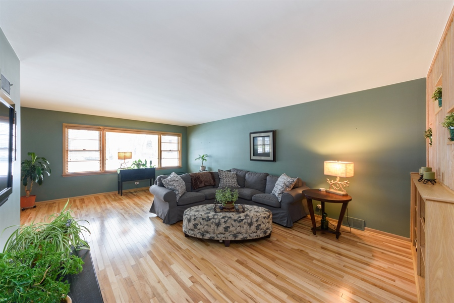 Real Estate Photography - 115 N Elmhurst Ave, Mt. Prospect, IL, 60056 - Living Room