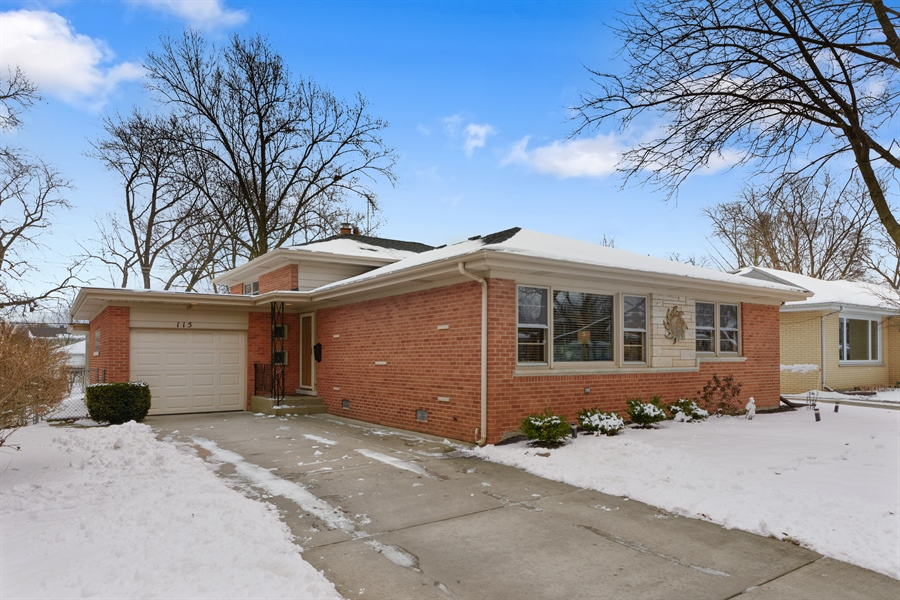 Real Estate Photography - 115 N Elmhurst Ave, Mt. Prospect, IL, 60056 - Front View
