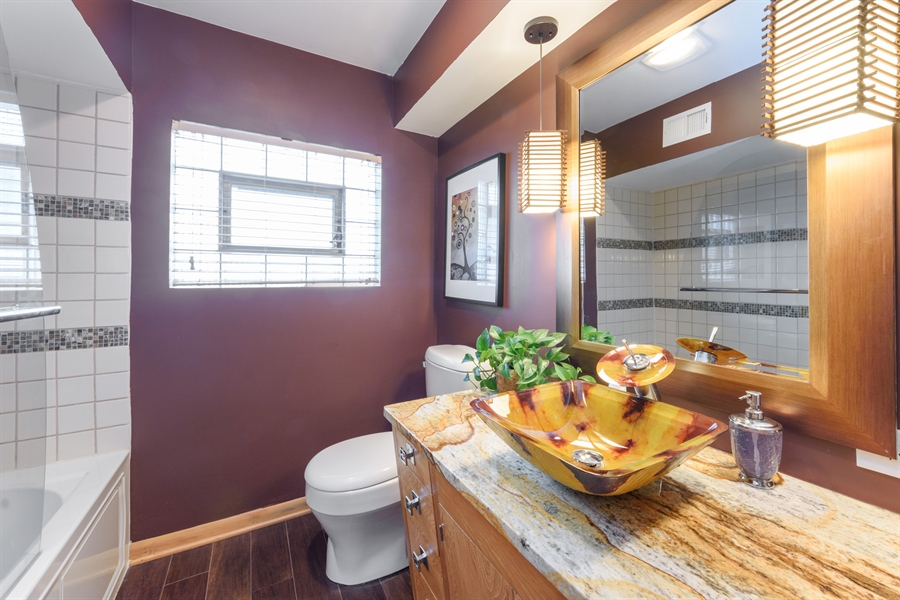 Real Estate Photography - 115 N Elmhurst Ave, Mt. Prospect, IL, 60056 - Bathroom