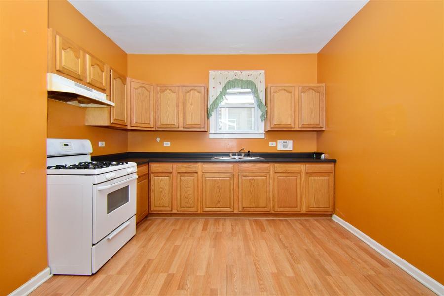 Real Estate Photography - 6332 S Kolin, Chicago, IL, 60629 - Kitchen
