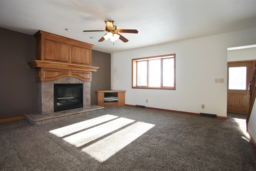 Real Estate Photography - 2162 County Road H, PO BOX 183, Kewaskum, WI, 53040 - Living Room