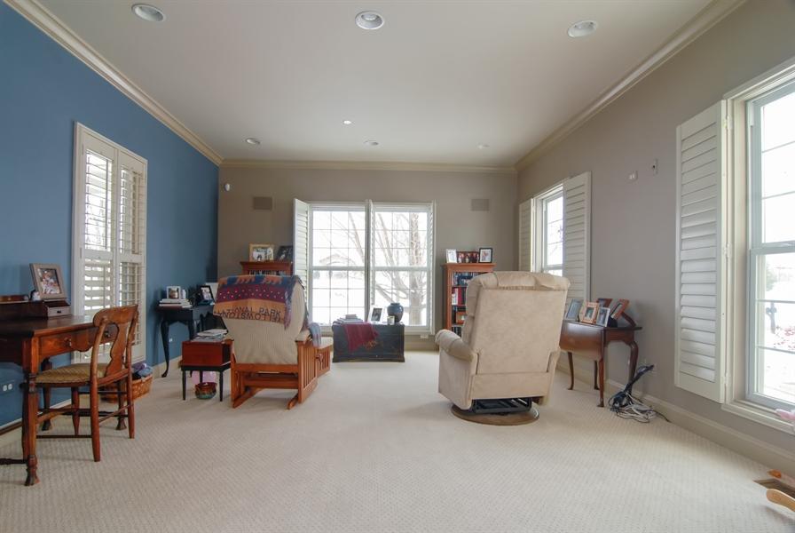 Real Estate Photography - 1466 Cornell Cir, Sugar Grove, IL, 60554 - Living Room