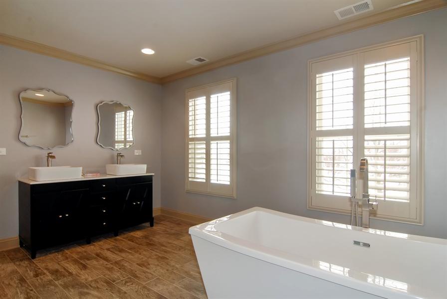 Real Estate Photography - 1466 Cornell Cir, Sugar Grove, IL, 60554 - Master Bathroom