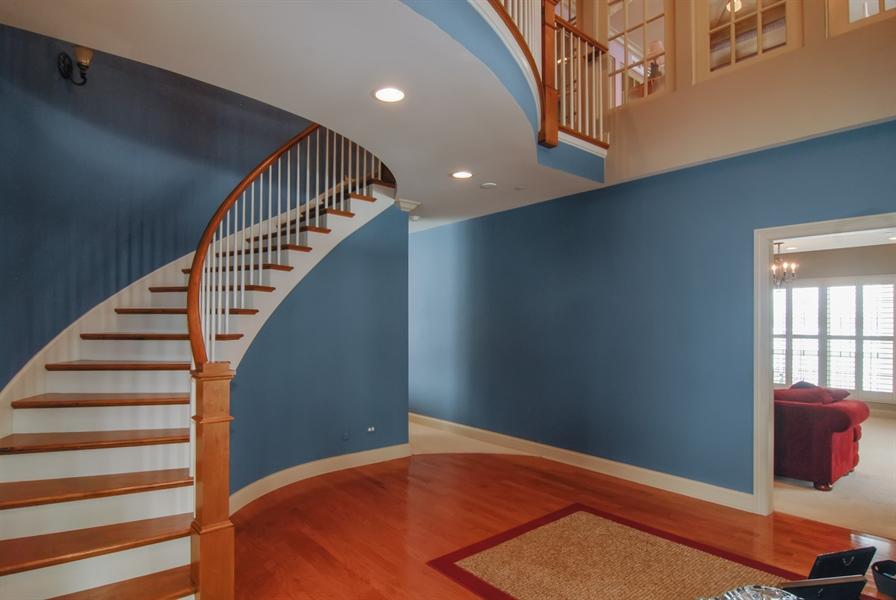 Real Estate Photography - 1466 Cornell Cir, Sugar Grove, IL, 60554 - Foyer