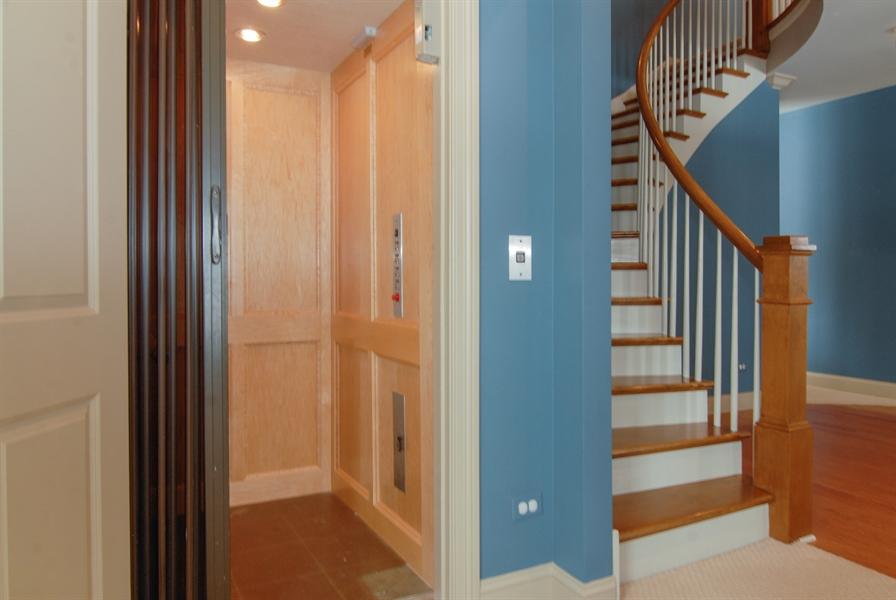 Real Estate Photography - 1466 Cornell Cir, Sugar Grove, IL, 60554 - Elevator