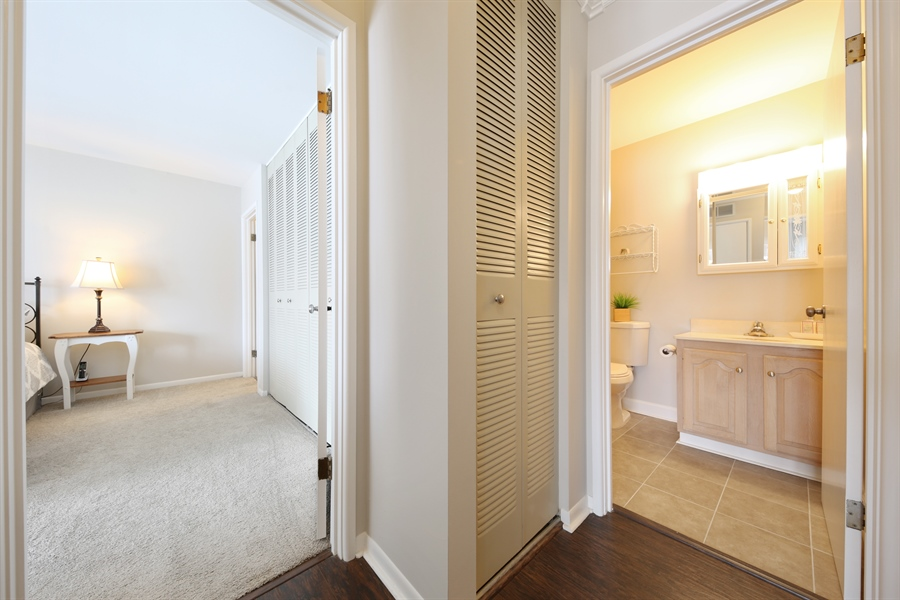 Real Estate Photography - 7373 BLACKBURN, 202, DOWNERS GROVE, IL, 60516 - Hallway