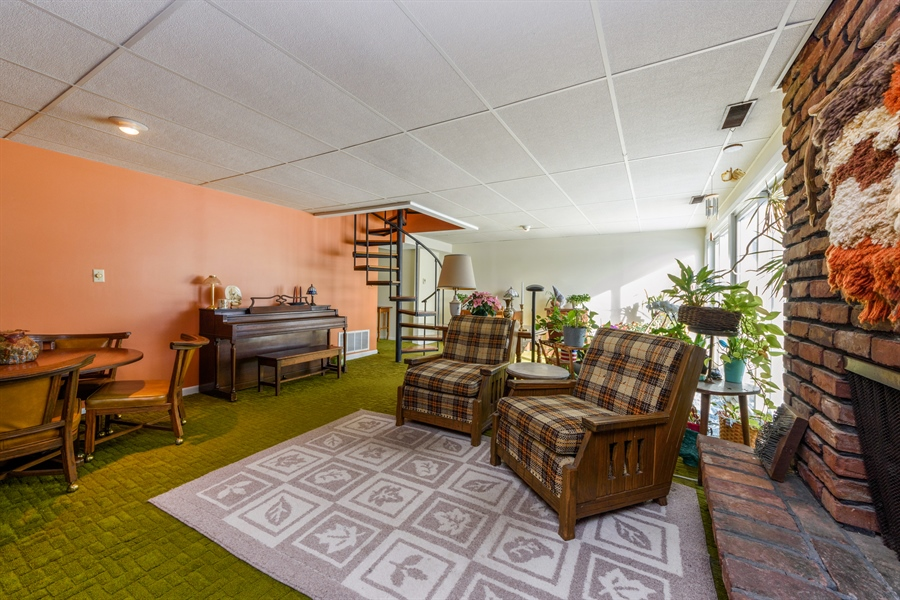 Real Estate Photography - 3323 Thornberry Drive, Glenview, IL, 60025 - Family Room