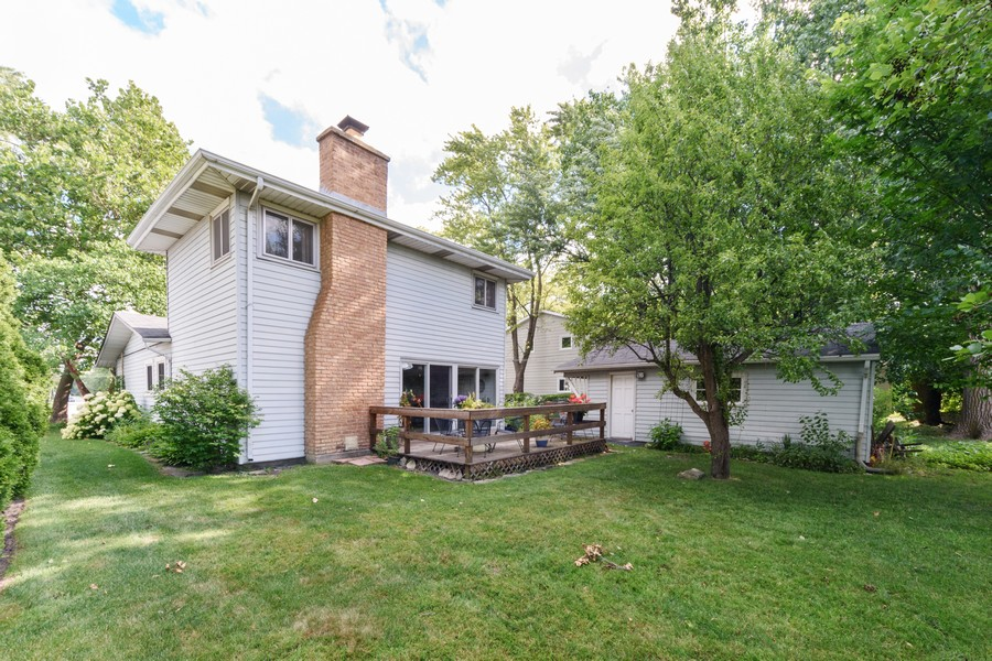 Real Estate Photography - 3323 Thornberry Drive, Glenview, IL, 60025 -