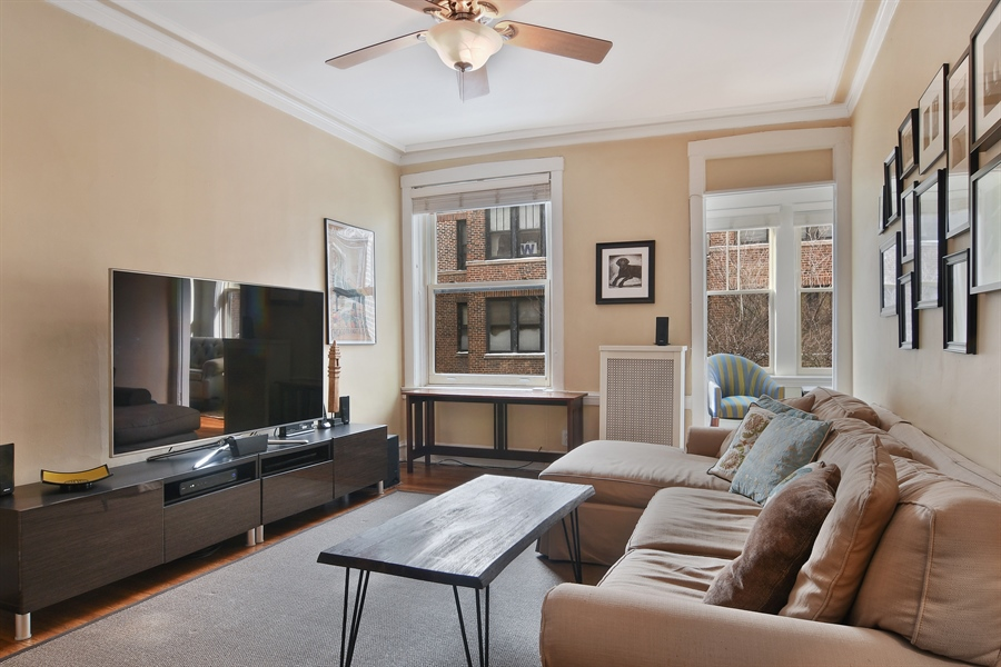 Real Estate Photography - 745 W Brompton, 2S, Chicago, IL, 60657 - Bedroom