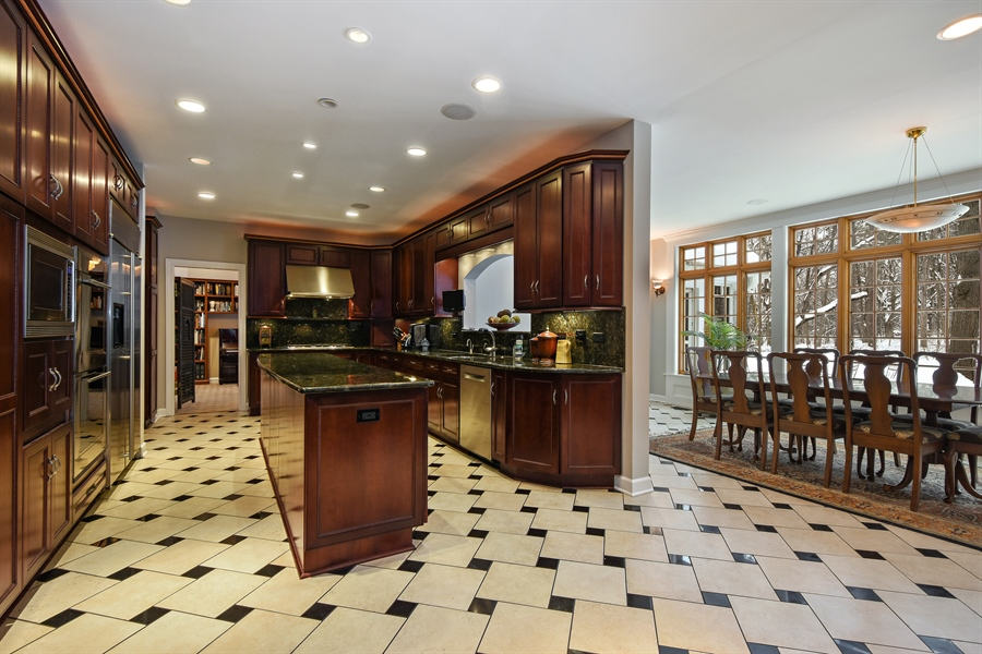 Real Estate Photography - 106 Crooked Creek Trl, Barrington, IL, 60010 - Kitchen and Dinning