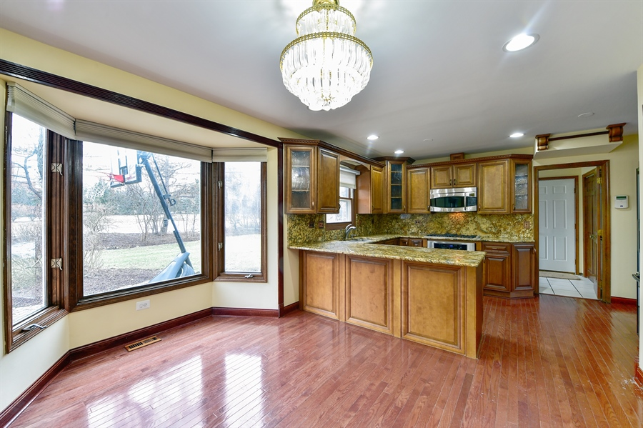 Real Estate Photography - 820 Red Stable Way, Oak Brook, IL, 60523 - Kitchen / Breakfast Room