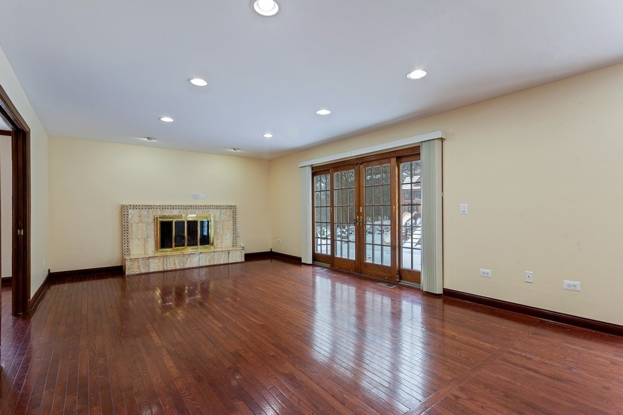 Real Estate Photography - 820 Red Stable Way, Oak Brook, IL, 60523 - Family Room
