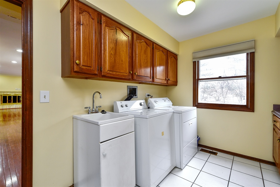 Real Estate Photography - 820 Red Stable Way, Oak Brook, IL, 60523 - Laundry Room
