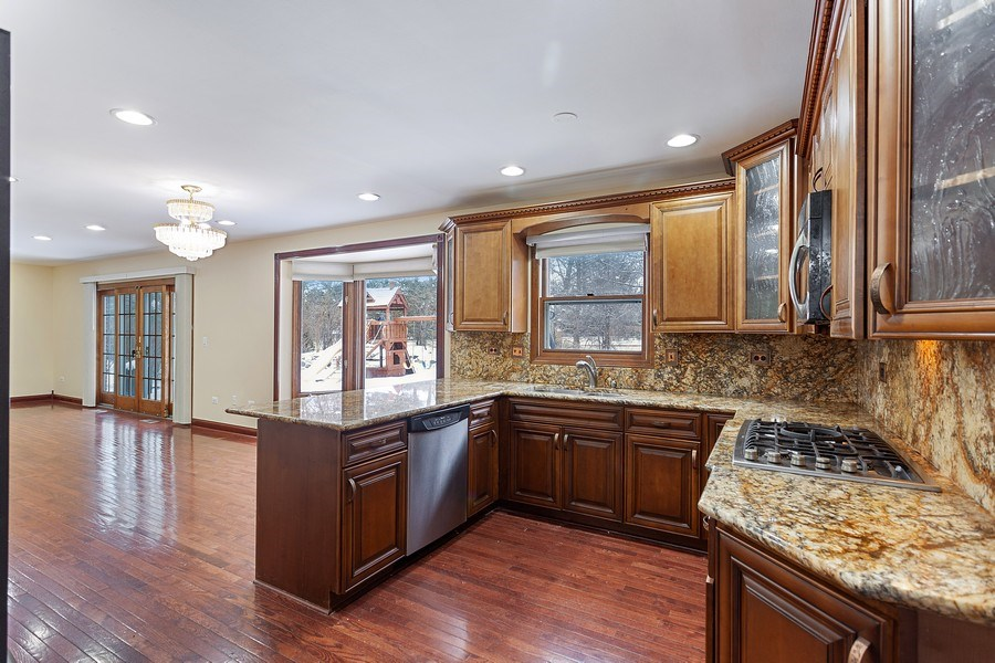 Real Estate Photography - 820 Red Stable Way, Oak Brook, IL, 60523 - Kitchen
