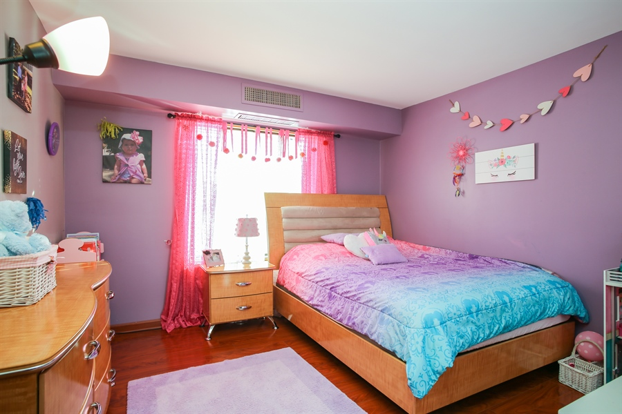 Real Estate Photography - 1414 E Central Rd, 219C, Arlington Heights, IL, 60005 - 2nd Bedroom