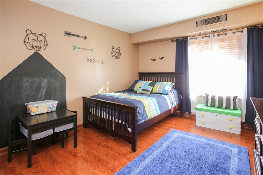 Real Estate Photography - 1414 E Central Rd, 219C, Arlington Heights, IL, 60005 - Bedroom