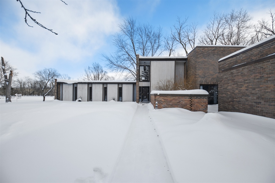 Real Estate Photography - 1663 E Course Dr, Riverwoods, IL, 60015 - Front View