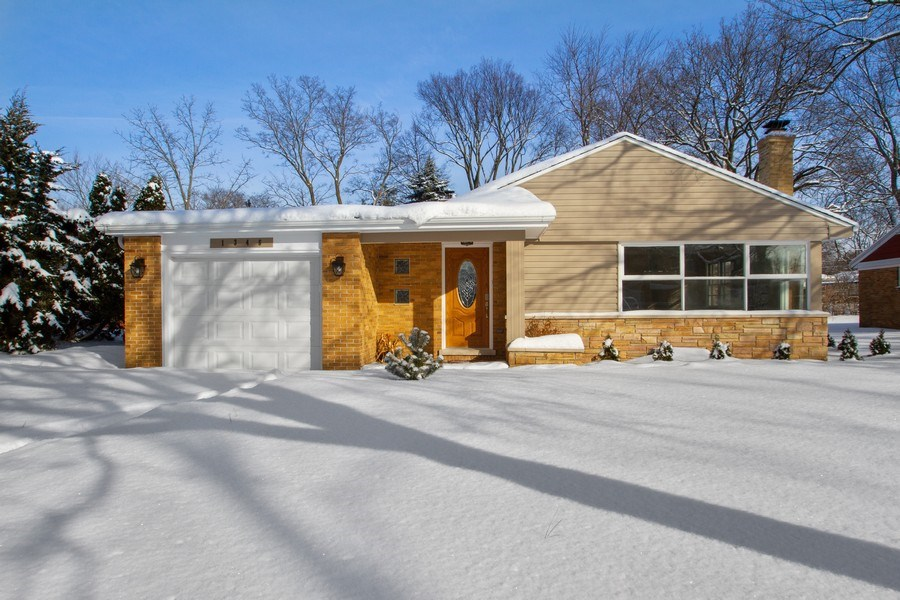 Real Estate Photography - 1346 London, Glenview, IL, 60025 - Front View
