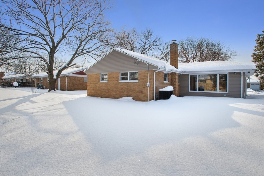 Real Estate Photography - 1346 London, Glenview, IL, 60025 - Rear View