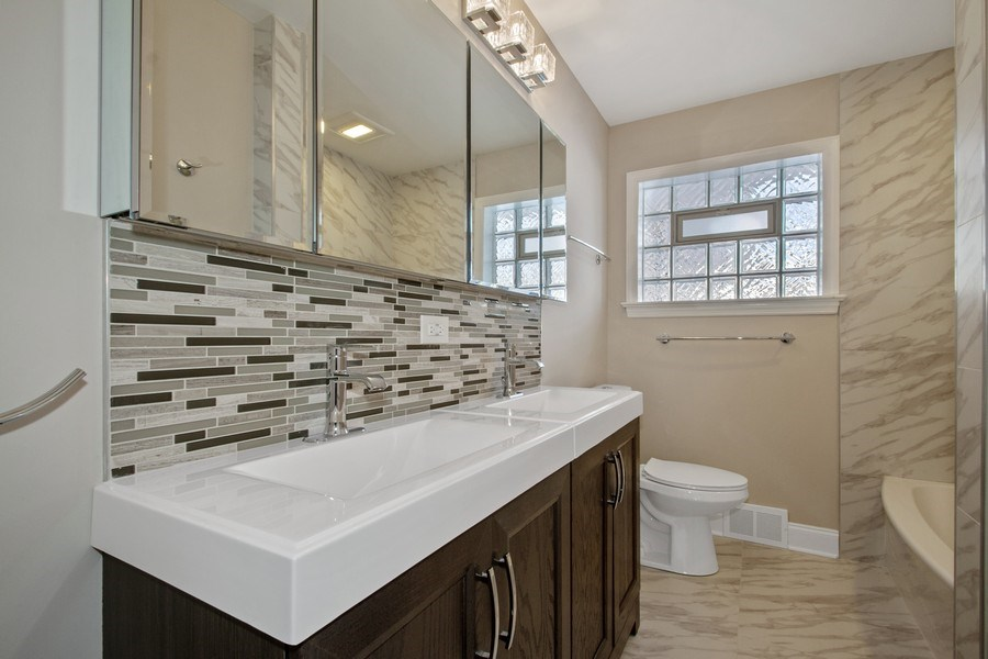 Real Estate Photography - 1346 London, Glenview, IL, 60025 - Bathroom