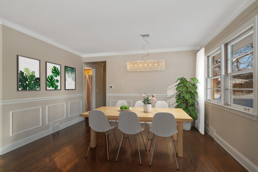 Real Estate Photography - 1346 London, Glenview, IL, 60025 - Dining Room