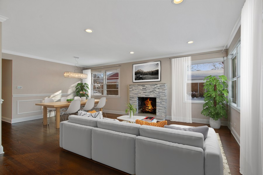 Real Estate Photography - 1346 London, Glenview, IL, 60025 - Living Room