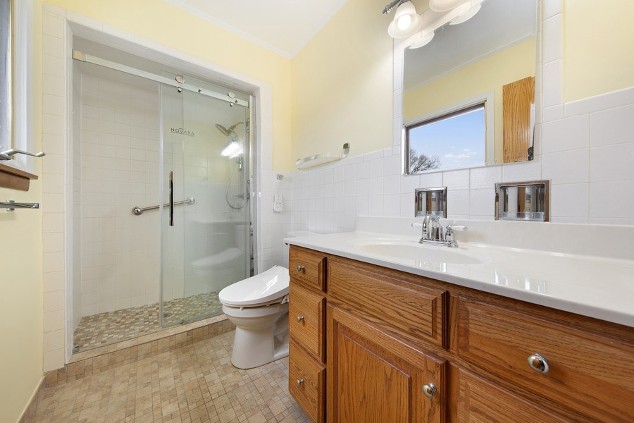 Real Estate Photography - 5316 Howard Ave, Western Springs, IL, 60558 - Master Bathroom