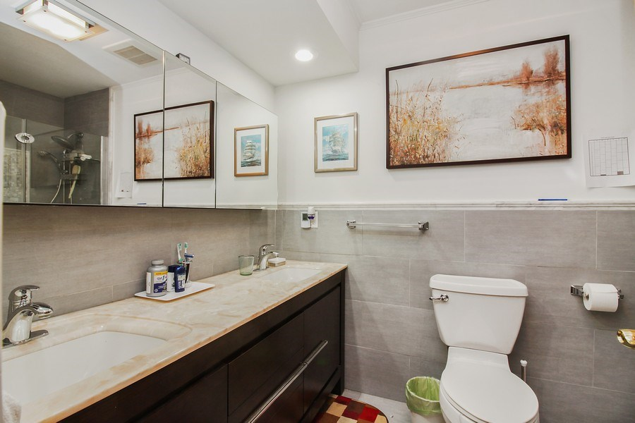 Real Estate Photography - 5316 Howard Ave, Western Springs, IL, 60558 - Bathroom