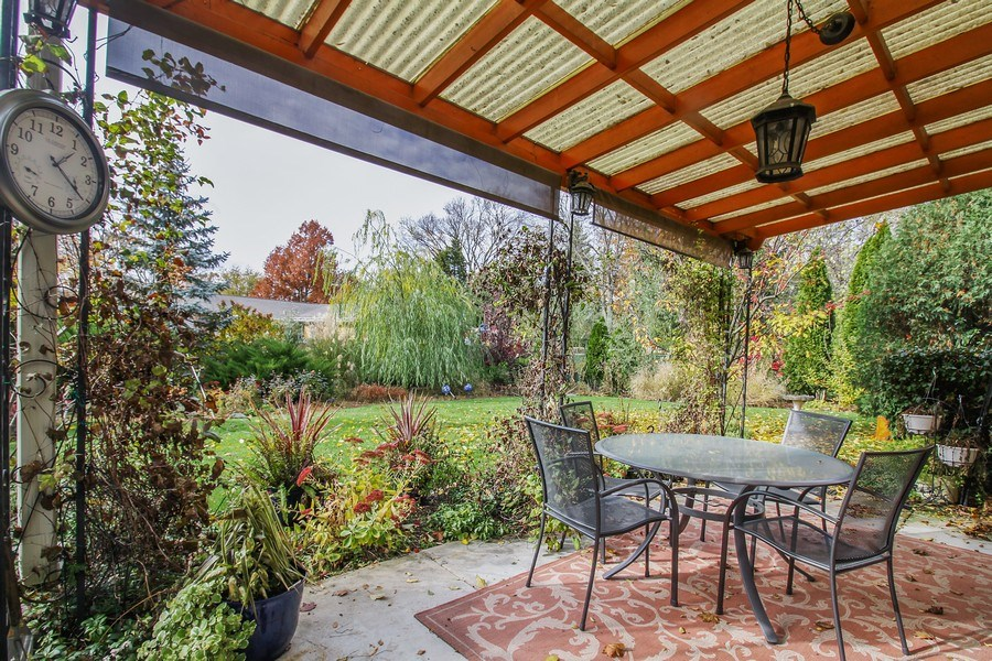 Real Estate Photography - 5316 Howard Ave, Western Springs, IL, 60558 - Patio