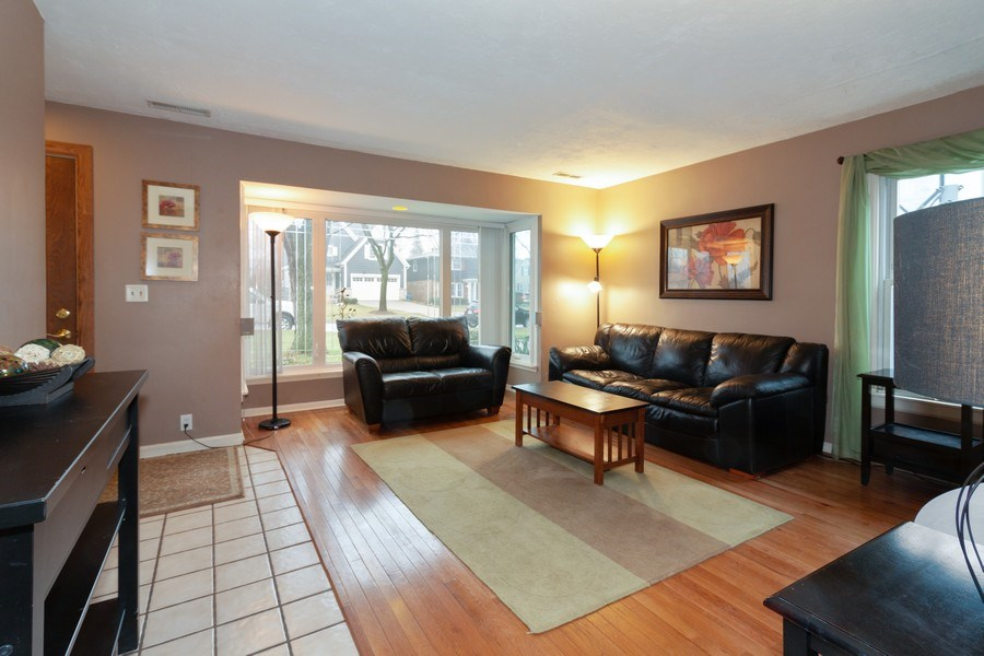 Real Estate Photography - 4052 Western, Western Springs, IL, 60558 - Living Room