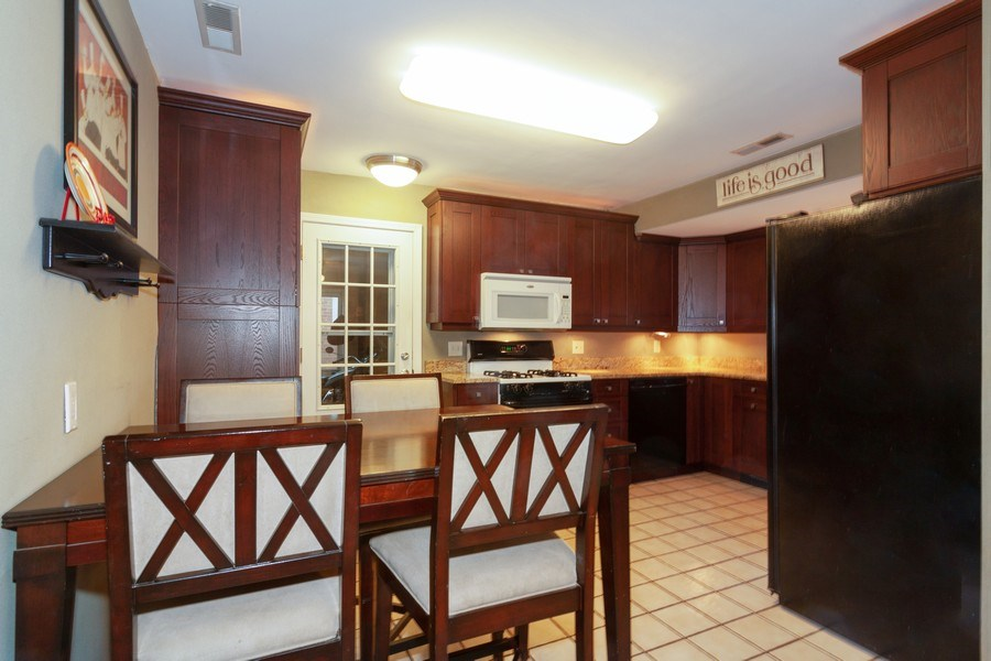Real Estate Photography - 4052 Western, Western Springs, IL, 60558 - Kitchen / Breakfast Room