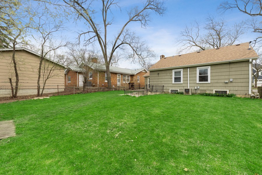 Real Estate Photography - 4052 Western, Western Springs, IL, 60558 - Back Yard