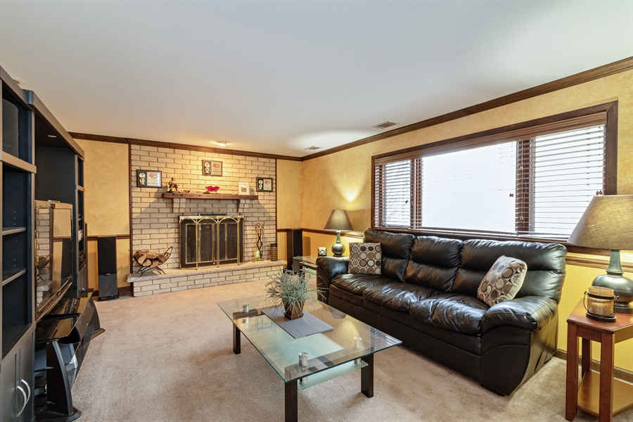 Real Estate Photography - 13717 crestview ct, n/a, crestwood, IL, 60418 - Family Room