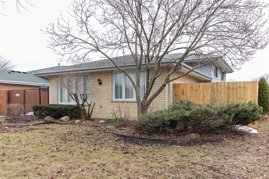 Real Estate Photography - 13717 crestview ct, n/a, crestwood, IL, 60418 - Front View