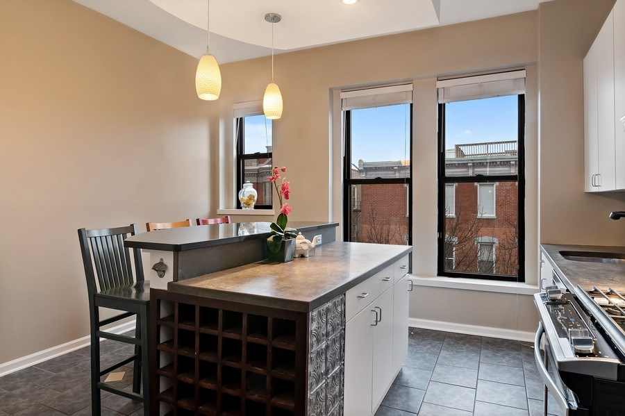 Real Estate Photography - 1367 W. Erie, Unit 4, Chicago, IL, 60642 - Kitchen