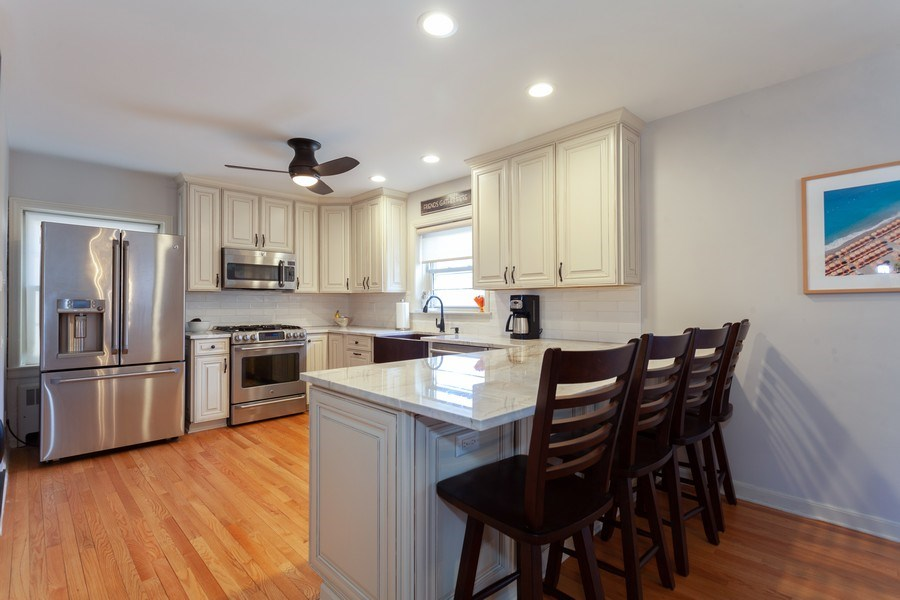 Real Estate Photography - 4205 Western Ave, Western Springs, IL, 60558 - Kitchen