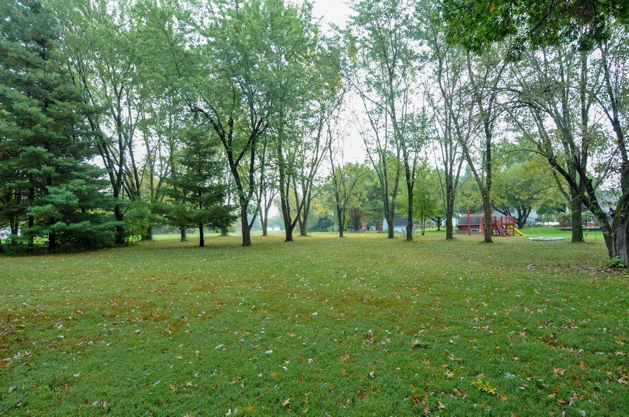 Real Estate Photography - 120 Naden Ct., Yorkville, IL, 60560 - Back Yard