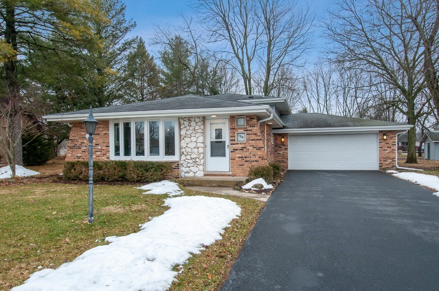 Real Estate Photography - 120 Naden Ct., Yorkville, IL, 60560 - Front View