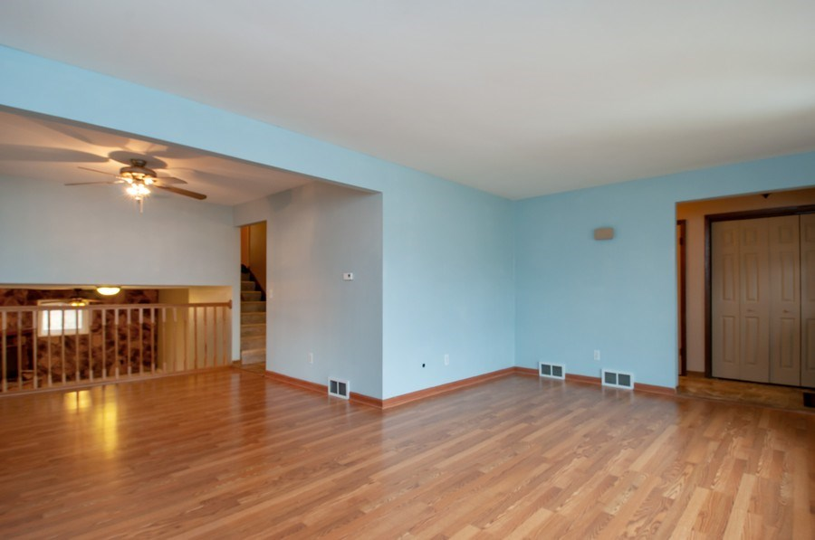 Real Estate Photography - 120 Naden Ct., Yorkville, IL, 60560 - Living Room / Dining Room