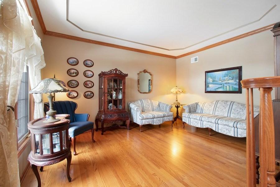 Real Estate Photography - 16220 Ridgewood, Homer Glen, IL, 60491 - Living Room