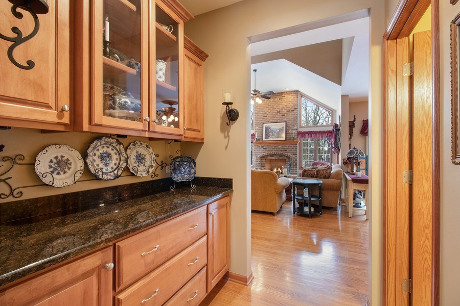 Real Estate Photography - 16220 Ridgewood, Homer Glen, IL, 60491 - Butler's pantry