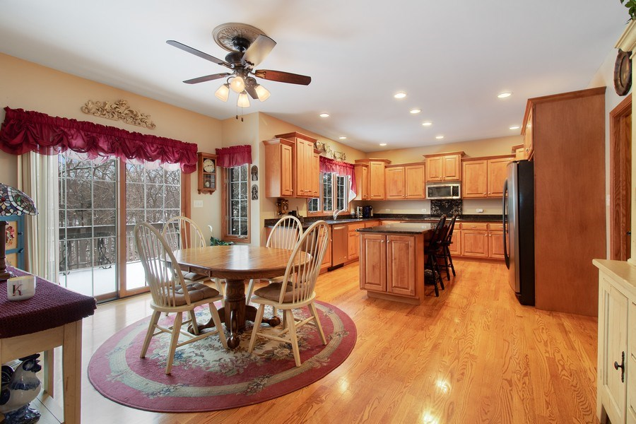 Real Estate Photography - 16220 Ridgewood, Homer Glen, IL, 60491 - Kitchen