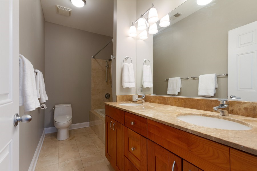 Real Estate Photography - 1510 N Wieland, unit 4, Chicago, IL, 60610 - Master Bathroom